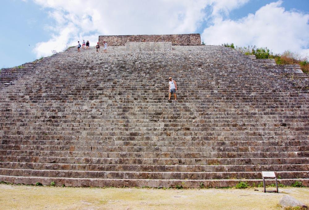 Uxmal_Große Pyramide - 1