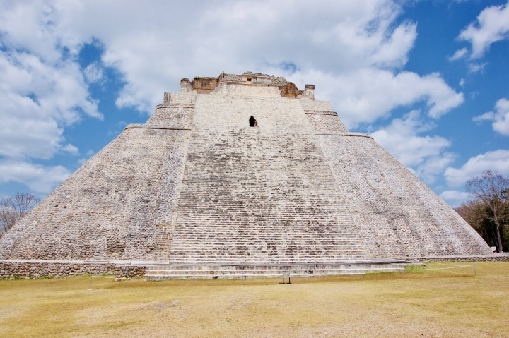 Uxmal_Pyramide des Zauberers_Frontansicht - 1