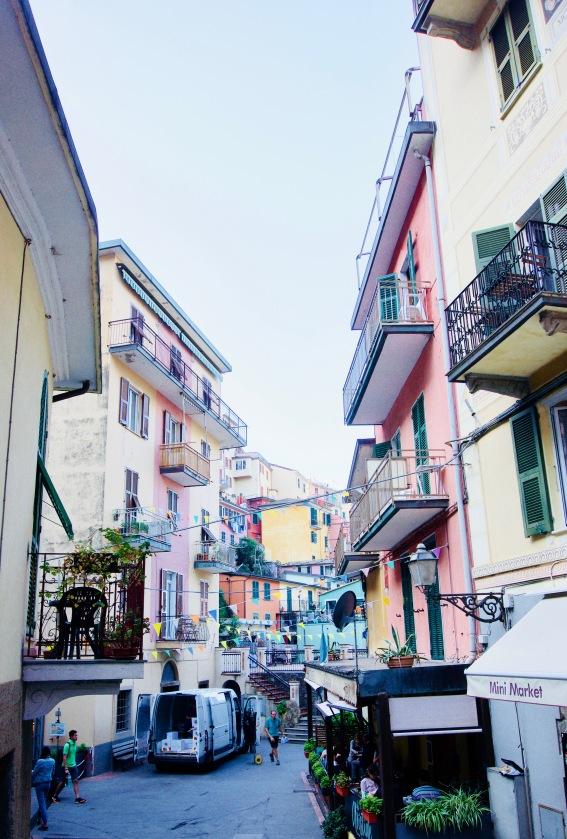 Manerola_Straße - 1