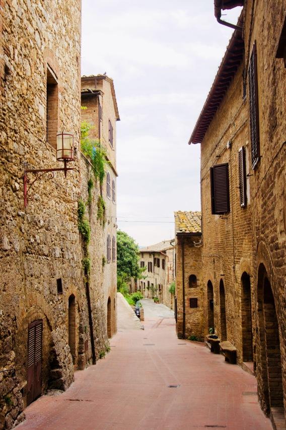 Toskana_San Gimignano_Gasse - 1