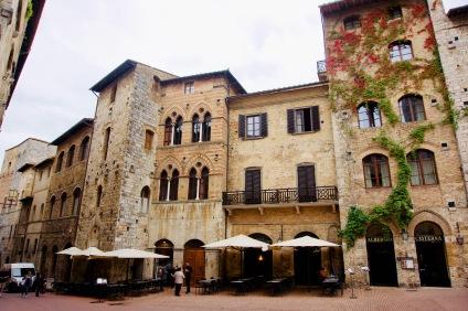 Toskana_San Gimignano_Häuserfront - 1