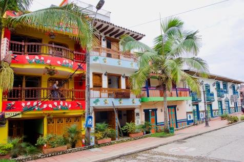 Kolumbien_Guatape_Straße1 - 1