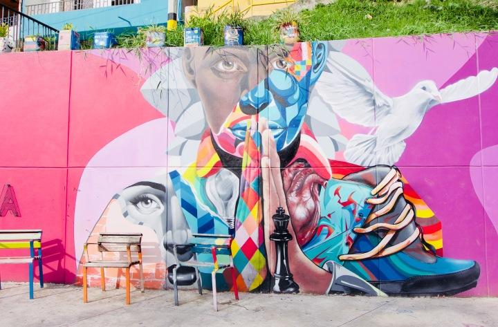 Kolumbien_Medellin_Comuna13_Streetart_Taube - 1