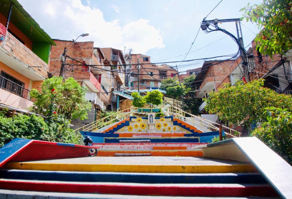 Kolumbien_Medellin_Comuna13_Treppe - 1