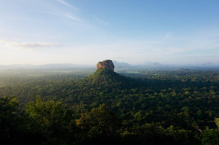 Dambulla: Pidurangala Rock & GoldenTempel