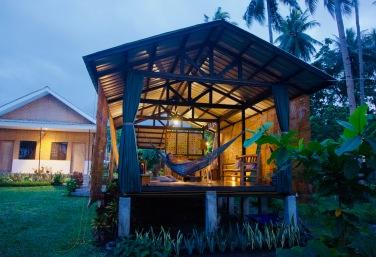 Philippinen_Camiguin_Bahandi Beach Lodge - 1