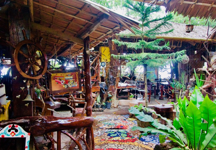 Philippinen_Camiguin_Cafe Beehive - 1