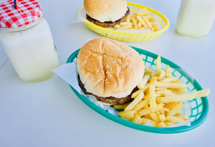 Philippinen_Siquijor_Vegetarischer Burger - 1